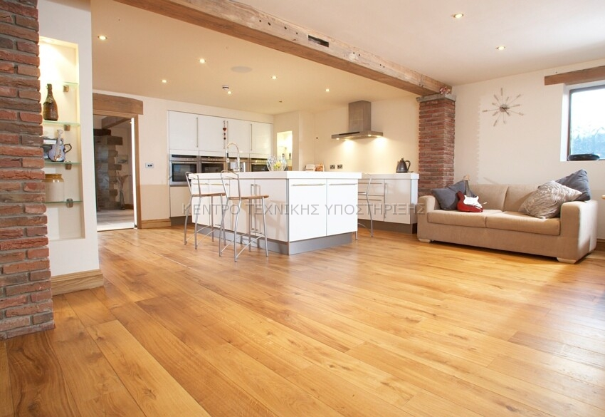 character-solid-oak-wood-flooring-lifestyle3