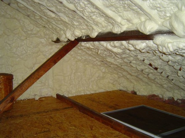 spray-foam-insulation-open-cell-roof-rot-moisture-problem